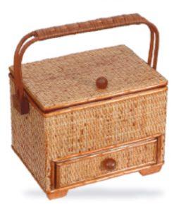 Costurero con asa en rattan color miel con tela forrado cajón